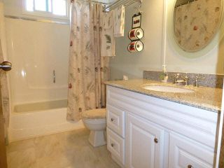 Photo 10: 2 7850 King George Boulevard in Surrey: East Newton Manufactured Home for sale : MLS®# F1418453