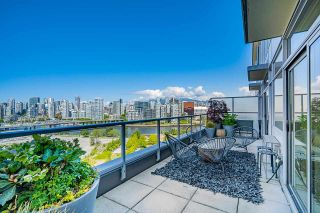 """Photo 13: 1702 1708 COLUMBIA Street in Vancouver: Mount Pleasant VW Condo for sale in """"Wall Centre False Creek"""" (Vancouver West)  : MLS®# R2580995"""