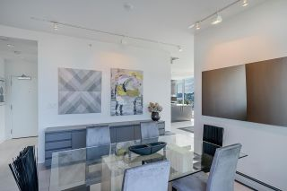 """Photo 5: 1702 1708 COLUMBIA Street in Vancouver: Mount Pleasant VW Condo for sale in """"Wall Centre False Creek"""" (Vancouver West)  : MLS®# R2580995"""