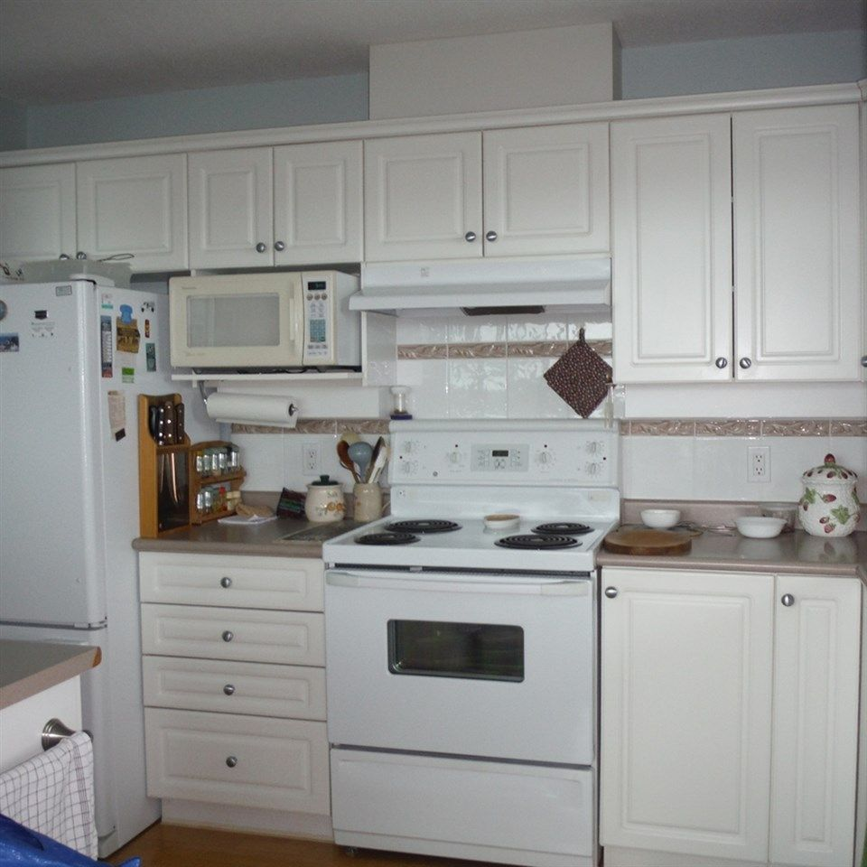 """Photo 18: Photos: 806 12148 224 Street in Maple Ridge: East Central Condo for sale in """"PANORAMA"""" : MLS®# R2285555"""