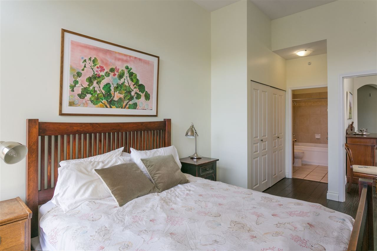 """Photo 11: Photos: 404 2175 SALAL Drive in Vancouver: Kitsilano Condo for sale in """"Savona"""" (Vancouver West)  : MLS®# R2397465"""