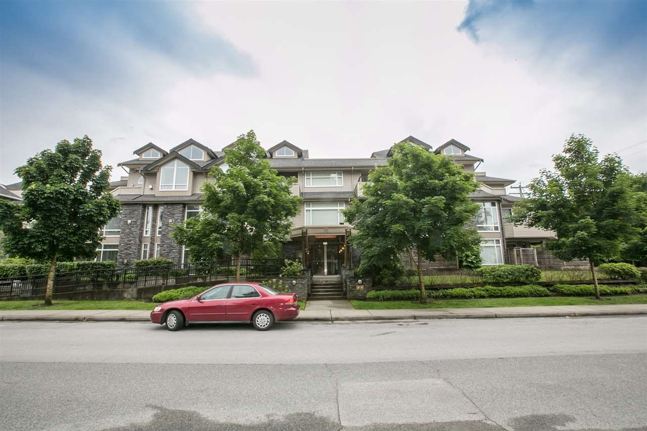 "Main Photo: 103 3150 VINCENT Street in Port Coquitlam: Glenwood PQ Condo for sale in ""THE BREYERTON"" : MLS®# R2195003"