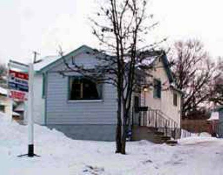 Main Photo: 56 Inman Avenue: Residential for sale (St. Vital)  : MLS®# 2300828