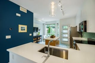 """Photo 5: 61 15 FOREST PARK Way in Port Moody: Heritage Woods PM Townhouse for sale in """"DISCOVERY RIDGE"""" : MLS®# R2592659"""