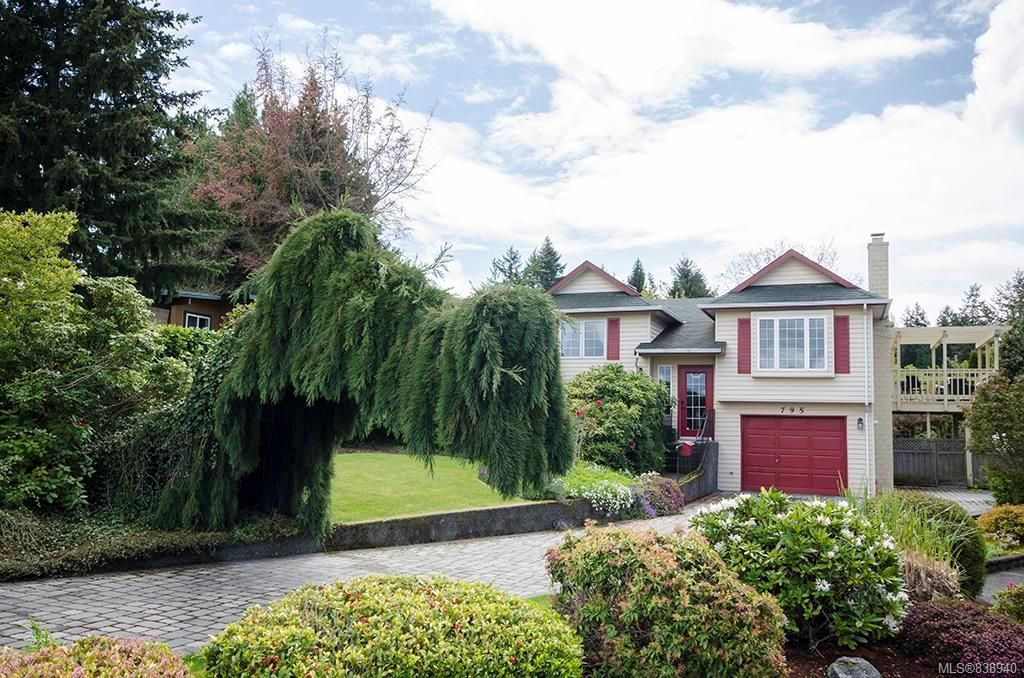 Main Photo: 795 Del Monte Pl in Saanich: SE Cordova Bay House for sale (Saanich East)  : MLS®# 838940