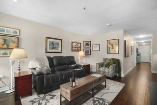 """Photo 12: 102 2 RENAISSANCE Square in New Westminster: Quay Condo for sale in """"The Lido"""" : MLS®# R2467538"""