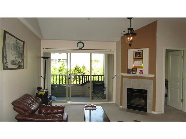 Photo 3: Photos: 507 210 11TH Street in New Westminster: Uptown NW Condo for sale : MLS®# V1003264