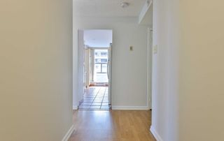 Photo 3: 1102 60 Inverlochy Boulevard in Markham: Royal Orchard Condo for sale : MLS®# N5402290