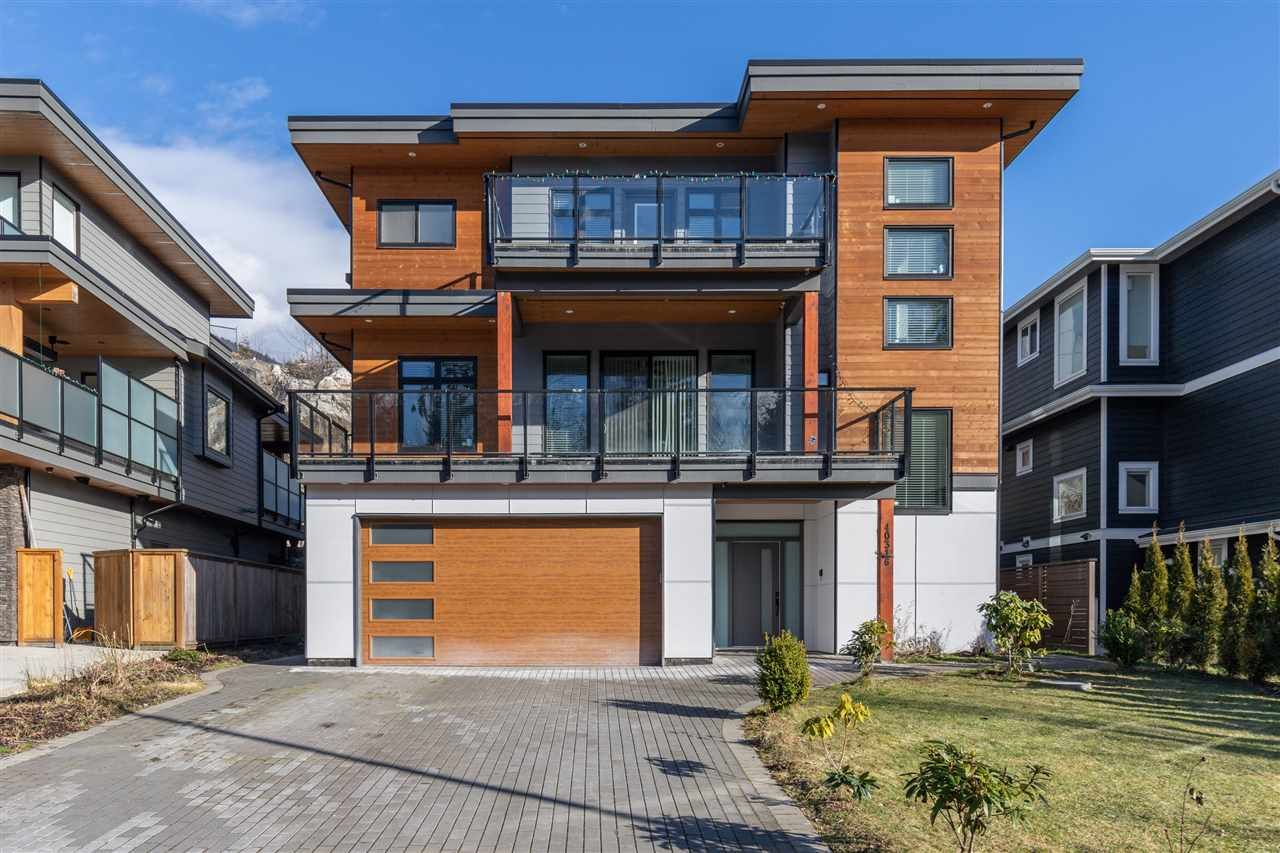 Main Photo: 40316 ARISTOTLE Drive in Squamish: University Highlands House for sale : MLS®# R2542690