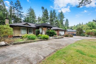 """Photo 2: 14309 GREENCREST Drive in Surrey: Elgin Chantrell House for sale in """"Elgin Creek Estates"""" (South Surrey White Rock)  : MLS®# R2621314"""