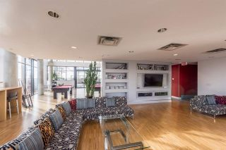 "Photo 15: 907 128 W CORDOVA Street in Vancouver: Downtown VW Condo for sale in ""Woodwards W43"" (Vancouver West)  : MLS®# R2247630"