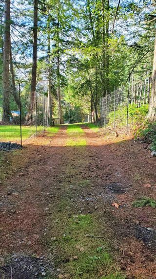 Photo 42: 2747 Shoal Rd in : GI Pender Island House for sale (Gulf Islands)  : MLS®# 863111