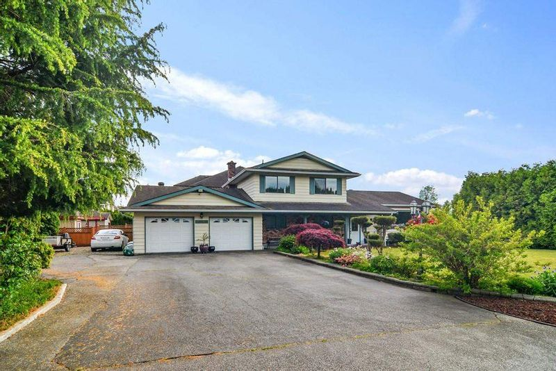 FEATURED LISTING: 26816 27 Avenue Langley