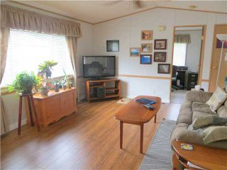 """Photo 3: 30 39768 GOVERNMENT Road in Squamish: Northyards Manufactured Home for sale in """"THREE RIVERS MOBILE HOME PARK"""" : MLS®# V1124602"""