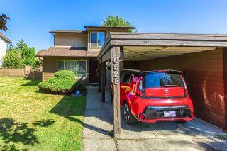 """Photo 2: 6928 134 Street in Surrey: West Newton 1/2 Duplex for sale in """"BENTLEY"""" : MLS®# R2490871"""