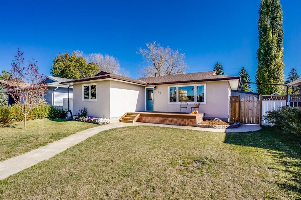 Main Photo: 24 Sackville Drive SW in Calgary: Southwood Detached for sale : MLS®# A1149679