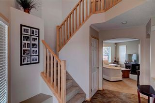 Photo 2: 51 COVECREEK Place NE in Calgary: Coventry Hills House for sale : MLS®# C4124271