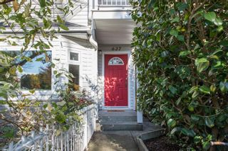 Photo 3: 637 E PENDER Street in Vancouver: Strathcona 1/2 Duplex for sale (Vancouver East)  : MLS®# R2512488