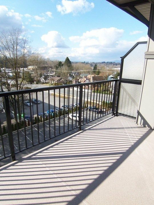 Photo 4: Photos: #411 33898 Pine St. in Abbotsford: Central Abbotsford Condo for rent