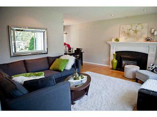 Photo 2: 3624 HENDERSON Avenue in North Vancouver: Lynn Valley House for sale : MLS®# V1087597
