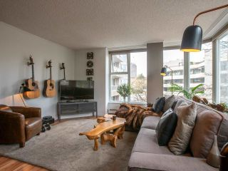 """Photo 3: 304 522 MOBERLY Road in Vancouver: False Creek Condo for sale in """"DISCOVERY QUAY"""" (Vancouver West)  : MLS®# R2550846"""