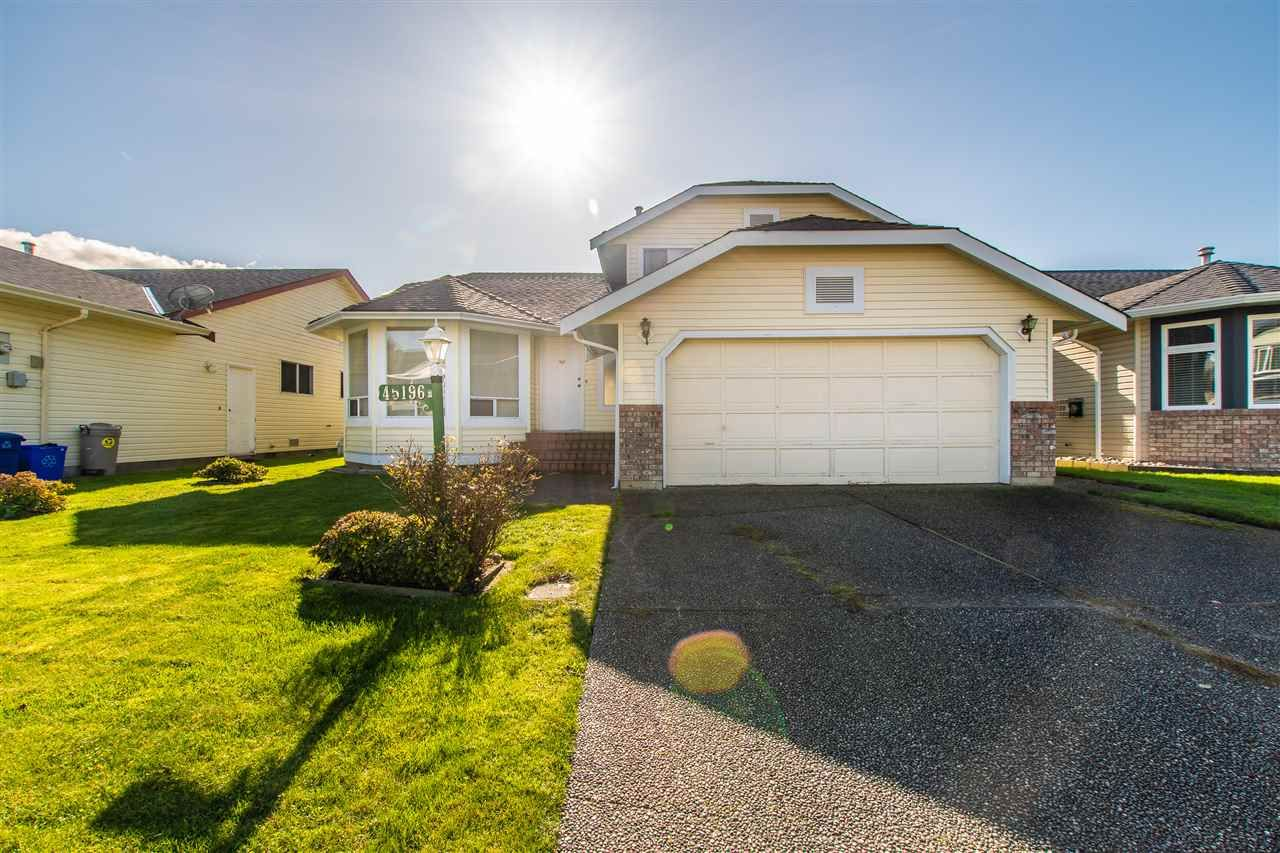 Main Photo: 45196 RAVEN Place in Sardis: Sardis West Vedder Rd House for sale : MLS®# R2415702