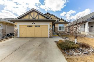 Photo 2: 918 CHAHLEY Crescent in Edmonton: Zone 20 House for sale : MLS®# E4237518