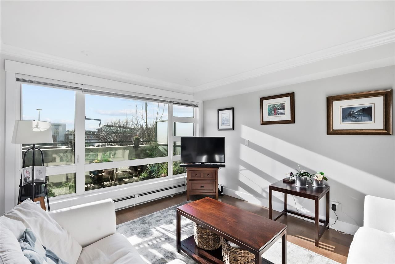 """Photo 3: Photos: 206 857 W 15TH Street in North Vancouver: Mosquito Creek Condo for sale in """"The Vue"""" : MLS®# R2534882"""