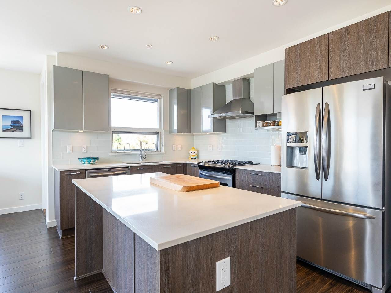 Photo 5: Photos: 306 202 E 24TH AVENUE in Vancouver: Main Condo for sale (Vancouver East)  : MLS®# R2406713