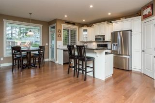 """Photo 4: 17728 68TH Avenue in Surrey: Cloverdale BC House for sale in """"Cloverdale"""" (Cloverdale)  : MLS®# R2252665"""