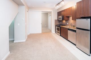 """Photo 10: 17 1863 WESBROOK Mall in Vancouver: University VW Townhouse for sale in """"ESSE"""" (Vancouver West)  : MLS®# R2341458"""