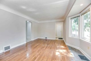 Photo 6: 269 E Queensdale Avenue in Hamilton: Eastmount House (1 1/2 Storey) for sale : MLS®# X5360840