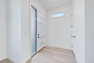 Photo 2: 2852 40 Street SW in Calgary: Glenbrook Semi Detached for sale : MLS®# A1075918