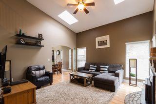 Photo 2: 21589 CHERRINGTON Avenue in Maple Ridge: West Central House for sale : MLS®# R2123882