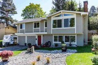 """Photo 1: 2962 ADMIRAL Court in Coquitlam: Ranch Park House for sale in """"RANCH PARK"""" : MLS®# R2060375"""