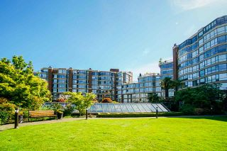 """Photo 3: 108 1450 PENNYFARTHING Drive in Vancouver: False Creek Condo for sale in """"HARBOUR COVE"""" (Vancouver West)  : MLS®# R2459679"""