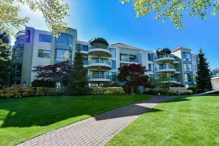 """Photo 2: 203 1705 MARTIN Drive in Surrey: Sunnyside Park Surrey Condo for sale in """"Southwynd"""" (South Surrey White Rock)  : MLS®# R2576884"""