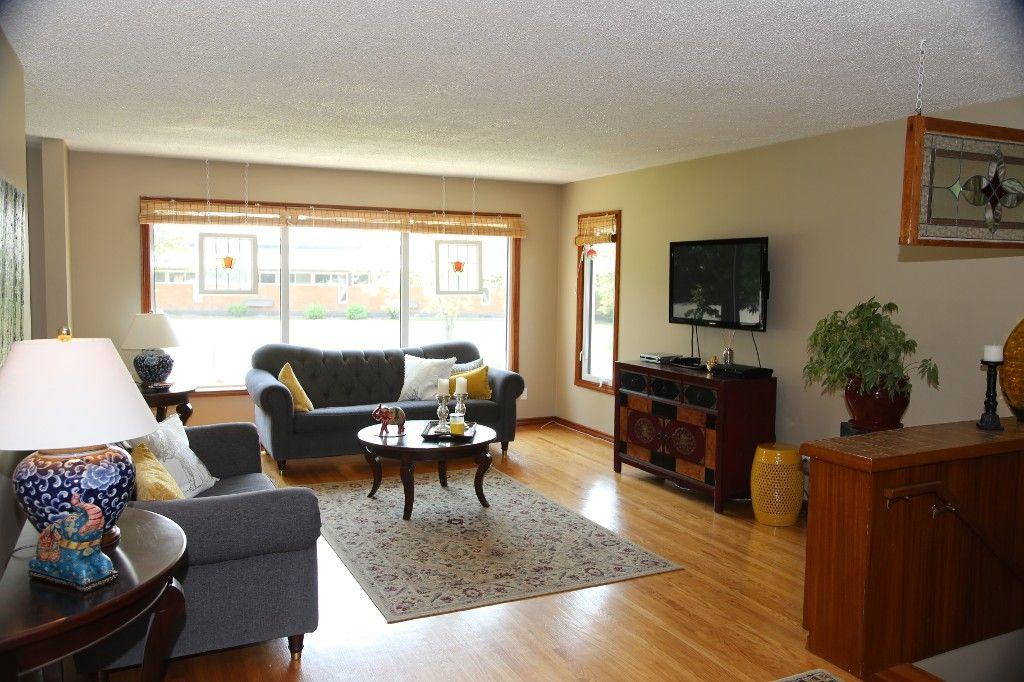 Photo 9: Photos: 105 Athlone Drive in Winnipeg: Grace Hospital Single Family Detached for sale (West Winnipeg)  : MLS®# 1516101