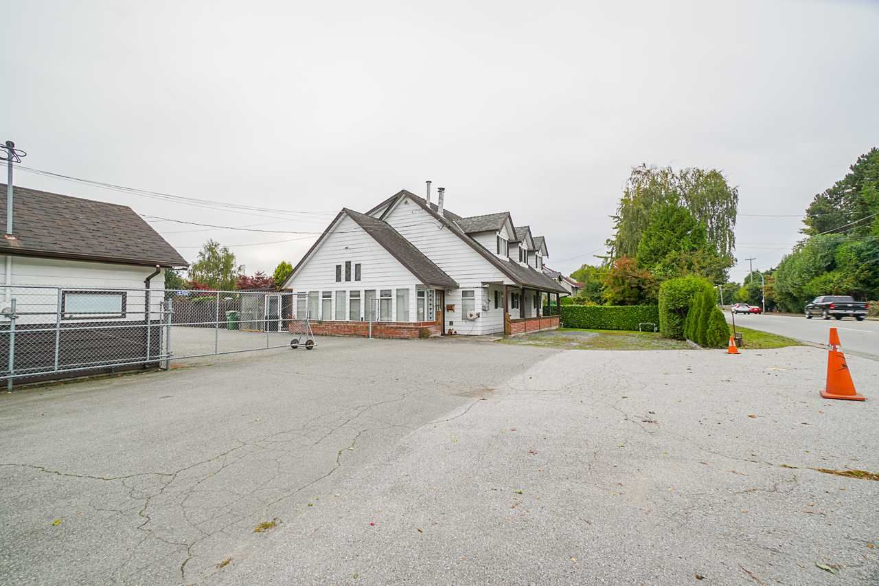 """Photo 2: Photos: 6240 STEVESTON Highway in Richmond: Gilmore House for sale in """"WESTWIND GREENHOUSES"""" : MLS®# R2510505"""