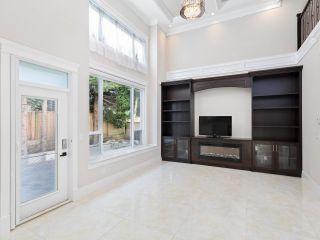Photo 9: 8220 ROSEBANK Crescent in Richmond: South Arm House for sale : MLS®# R2615703