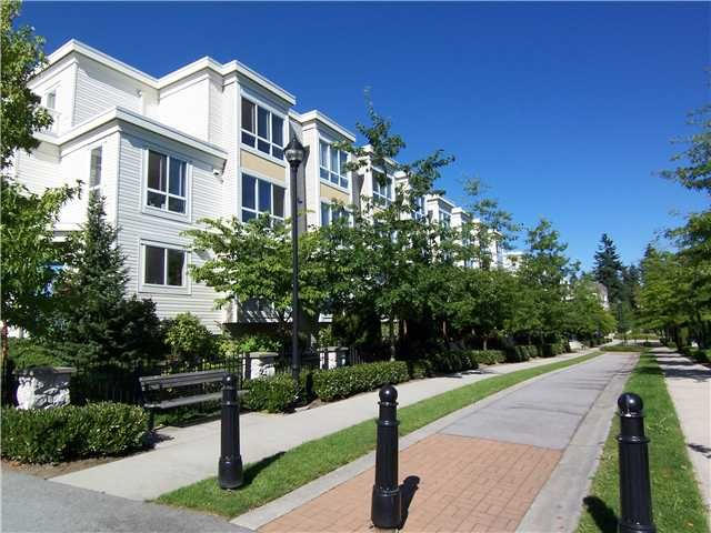 """Main Photo: 6727 VILLAGE Grove in Burnaby: Highgate Townhouse for sale in """"MONTEREY"""" (Burnaby South)  : MLS®# V977948"""
