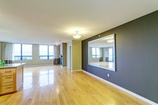 """Photo 8: 3006 4333 CENTRAL Boulevard in Burnaby: Metrotown Condo for sale in """"Presidia"""" (Burnaby South)  : MLS®# R2423050"""