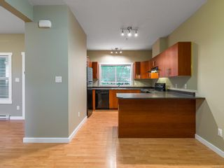 Photo 10: 102 582 Rosehill St in : Na Central Nanaimo Row/Townhouse for sale (Nanaimo)  : MLS®# 886786