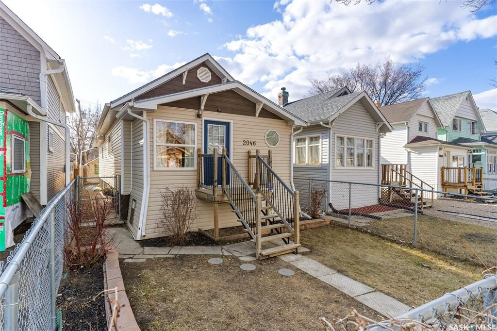 Main Photo: 2046 WALLACE Street in Regina: Broders Annex Residential for sale : MLS®# SK847569