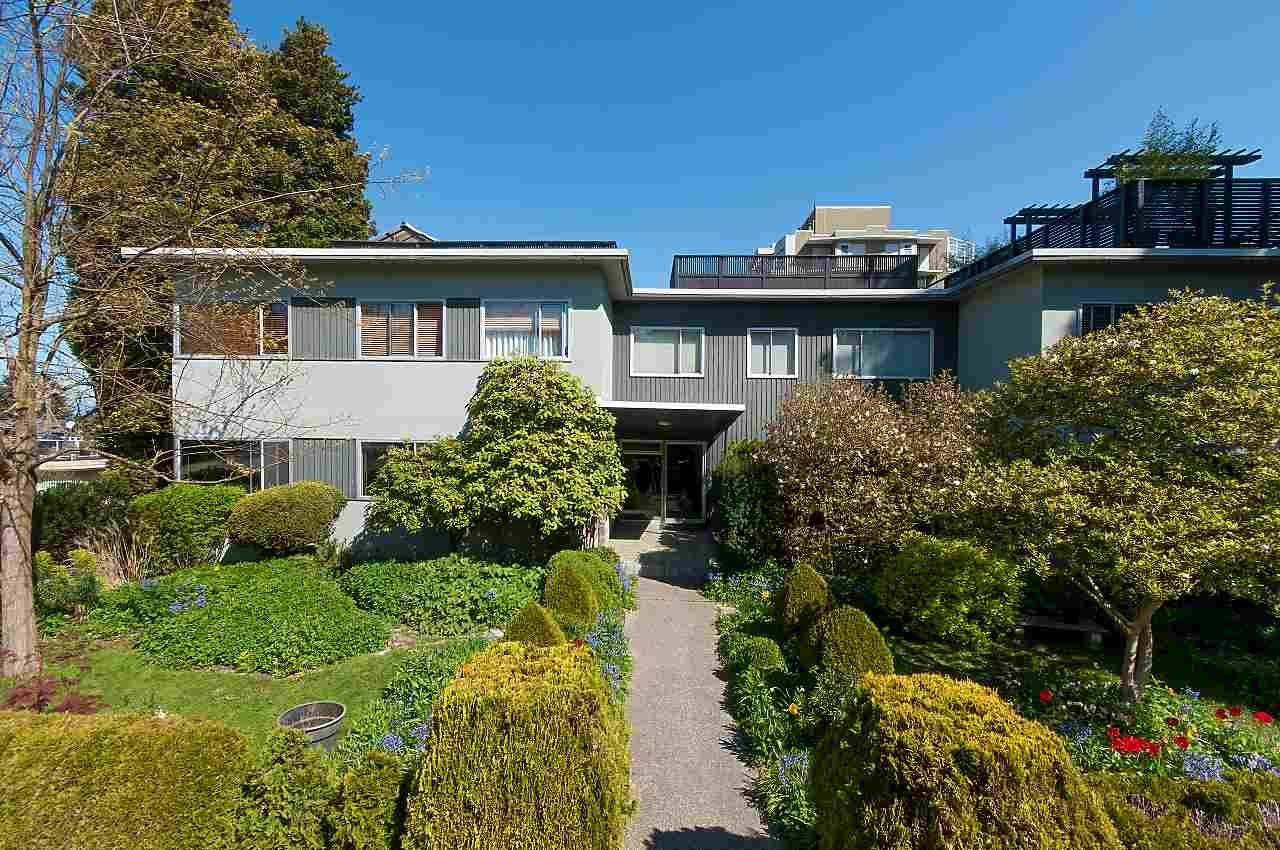 Main Photo: 202 2493 W 1ST Avenue in Vancouver: Kitsilano Condo for sale (Vancouver West)  : MLS®# R2263394