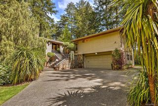 Photo 2: 1010 Donwood Dr in Saanich: SE Broadmead House for sale (Saanich East)  : MLS®# 840911