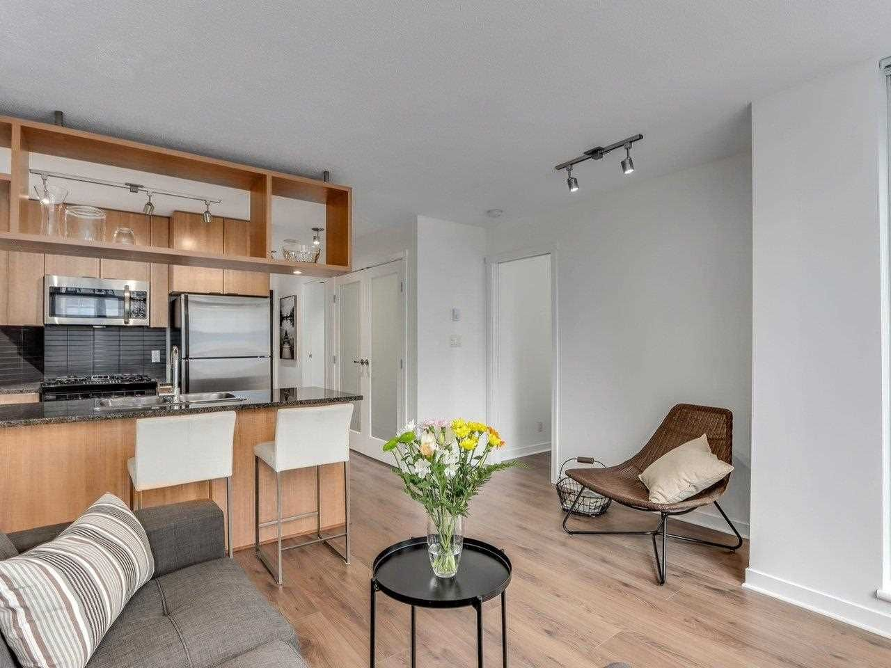 """Main Photo: 1001 1010 RICHARDS Street in Vancouver: Yaletown Condo for sale in """"THE GALLERY"""" (Vancouver West)  : MLS®# R2584548"""