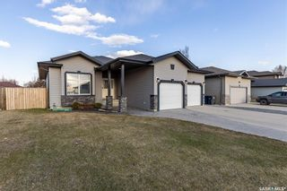 Photo 2: 1322 Hughes Drive in Saskatoon: Dundonald Residential for sale : MLS®# SK851719
