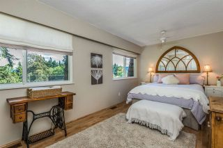 Photo 12: 1196 DEEP COVE Road in North Vancouver: Deep Cove Townhouse for sale : MLS®# R2279421