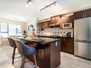 """Photo 5: 149 3105 DAYANEE SPRINGS Boulevard in Coquitlam: Westwood Plateau Townhouse for sale in """"WHITE TAIL LANE"""" : MLS®# R2443110"""